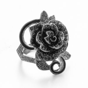 VAGULA Vintage Black Rhinestone Rose Flower Silver Women′s Ring pictures & photos