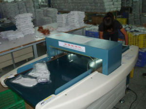 Conveyor Needle Detector Machine for Plastics/Leathers/Food (GW-058A) pictures & photos