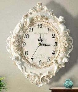 Resin Garden and Home Decor Flower Shape Clock pictures & photos