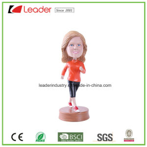 Hand Painted Resin OEM Bobblehead Figurine for Home Decoration and Souvenir Gifts pictures & photos