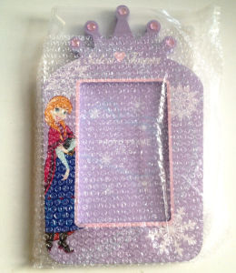 Brand Wooden Picture Frame with Rhinestones pictures & photos