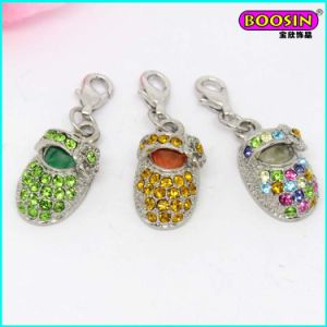Wholesale Fashionable Crystal Cute Baby Shoe Charms Jewelry pictures & photos
