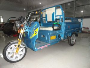 The Hot Selling Electric Tricycle for Cargo pictures & photos