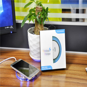 Universal Wireless Charger for Mobile Smartphone pictures & photos