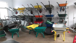 Wheelbarrow with Solid Wheel and Platstic Tray pictures & photos