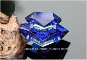 Fashion Crystal Glass Perfume Bottle for Decoration pictures & photos