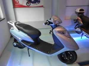 60V 800W Powerful Electric Scooter pictures & photos