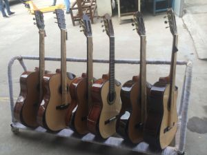 Aiersi Handmade Attractive Special Design Vintage Spanish Classical Guitar Sc02ajcn pictures & photos