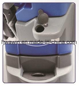 Battery Power Scrubber Machine Floor Scrubber pictures & photos