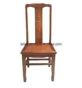Sillas cl sicas de los muebles antiguos de madera del - Sillas de comedor usadas ...