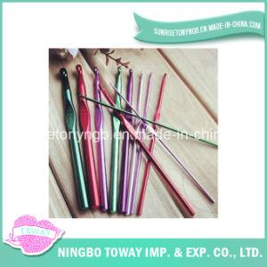 Tricotando manualmente os ganchos de Crochet de bambu de lãs da agulha