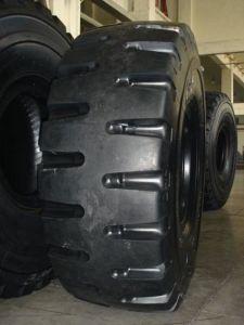 放射状OTRのタイヤ