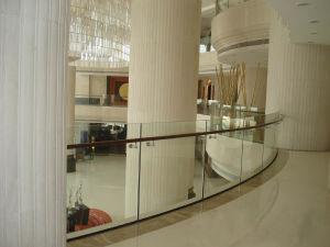 Inferriate di vetro personalizzate del balcone di disegno, recintanti ...