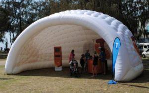 tente gonflable d 39 igloo tente de m moire annon ant tente. Black Bedroom Furniture Sets. Home Design Ideas
