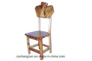 La chaise en bois fantastique classique de racine