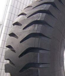 HiloのブランドOTRの放射状のもののタイヤ