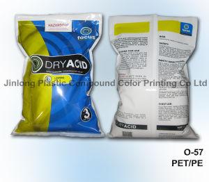 كيميائيّة بلاستيكيّة يعبّئ حقيبة مع قعر بنيقة وسحاب
