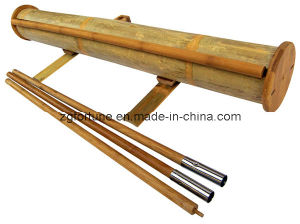 De bambu verdes rolam acima o carrinho (F1-22)