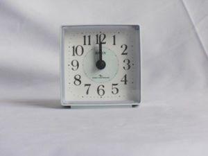 Horloge contrôlée par radio (KV011)