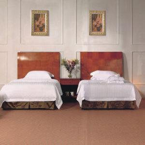 Meubles confortables de chambre à coucher d'hôtel (EMT-B0903)