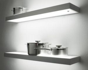 Plank met ingebouwde verlichting – Licht in de badkamer