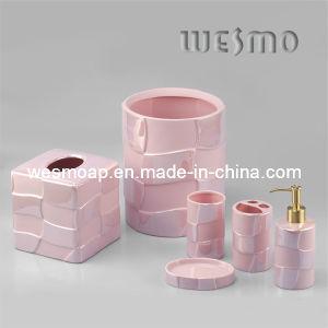 Accessoire rose de salle de bains de porcelaine d 39 argile - Accessoires salle de bain rose ...