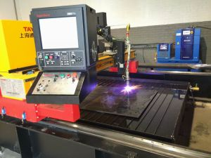 Terminar la cortadora del plasma del CNC de la eliminación del polvo