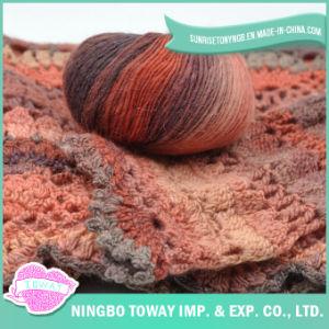 Fio acrílico do Crochet de lãs Roving por atacado em linha da fonte da fábrica de matérias têxteis