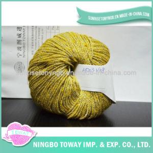 O anel de confeção de malhas extravagante de luxe girado perla o fio metálico