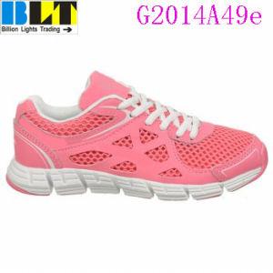 Sapatas Running atléticas do estilo desportivo da menina de Blt