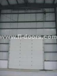 Porta de levantamento ereta automática industrial (a instalação elevada da posição)
