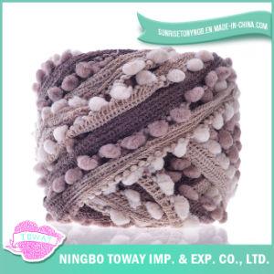 Tricotando manualmente fios extravagantes do algodão de lãs do poliéster das luvas