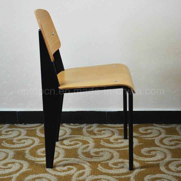chaise en bois standard de restaurant de jean prouve de. Black Bedroom Furniture Sets. Home Design Ideas