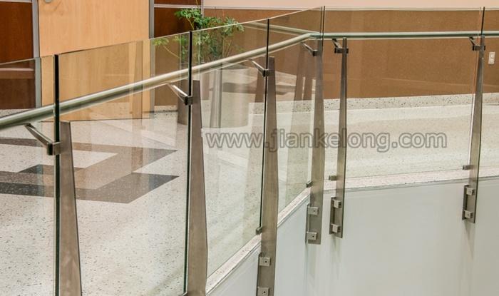 disegno Railing veranda : Corrimano di vetro del balcone dellacciaio inossidabile, rete fissa ...