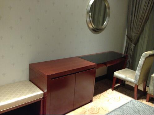 2015 특대 호화스러운 중국 나무로 되는 호텔 침실 가구 (GLB-7000801 ...