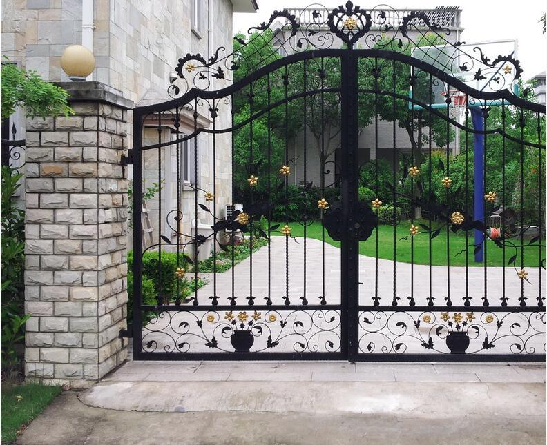 China wrought iron decorative gate with metal iron crafts for International decor gates