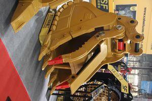 benne di varie tipologie forche bilancini ed a ltri attrezzi di uso comune  Excavator-Rock-Bucket-Hydraulic-Thumb-Hydraulic-Quick-Coupler
