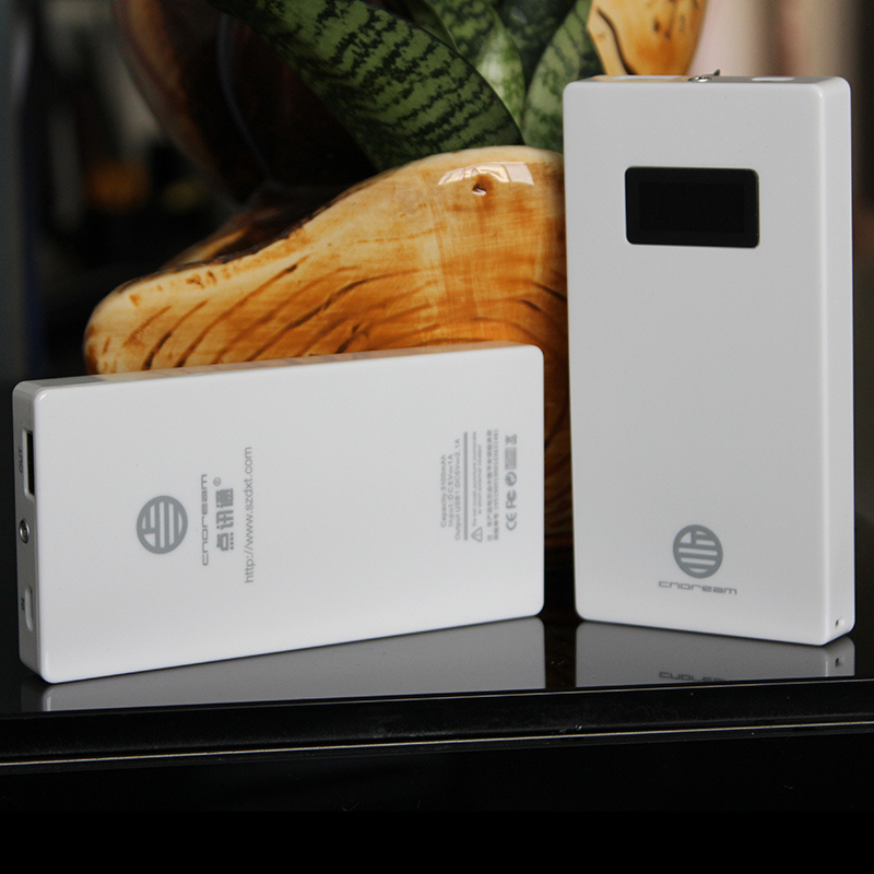 Super Thin 5500mAh Li Polymer Mobile Power Bank with LCD Display