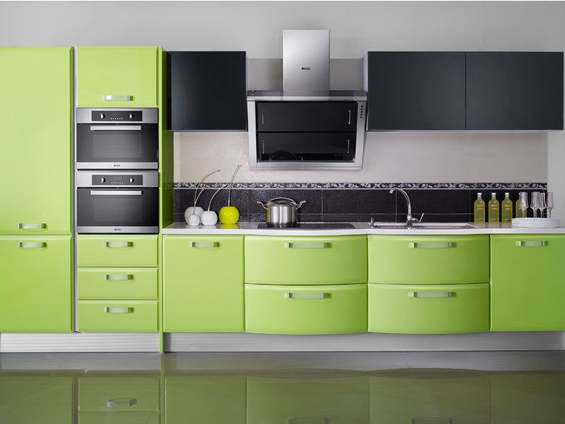 Design de arm rio de cozinha lustrosa verde brilhante for Very narrow kitchen cabinet