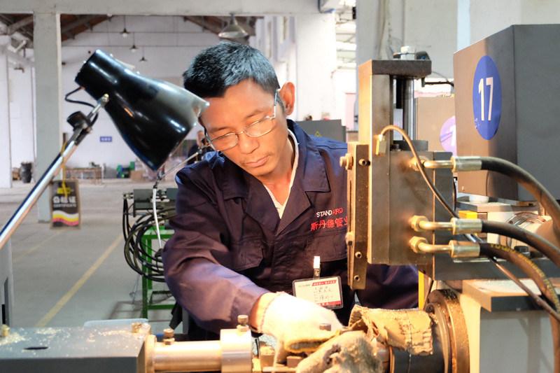 China brass water meter union fitting pe