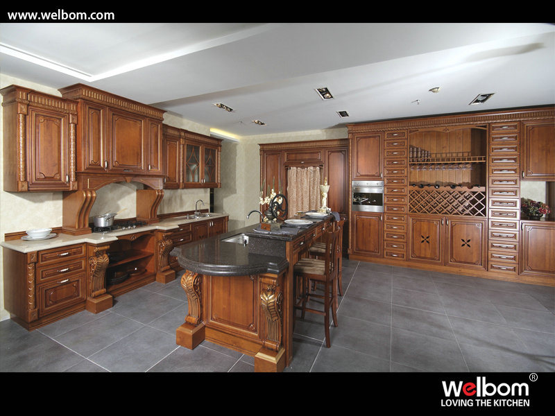 China Russian Style Solid Wood Kitchen Cabinets - China