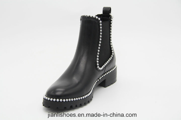 Ankle Boots Lady Shoes with Elastic and Rivet Chain Decoration (AB652)
