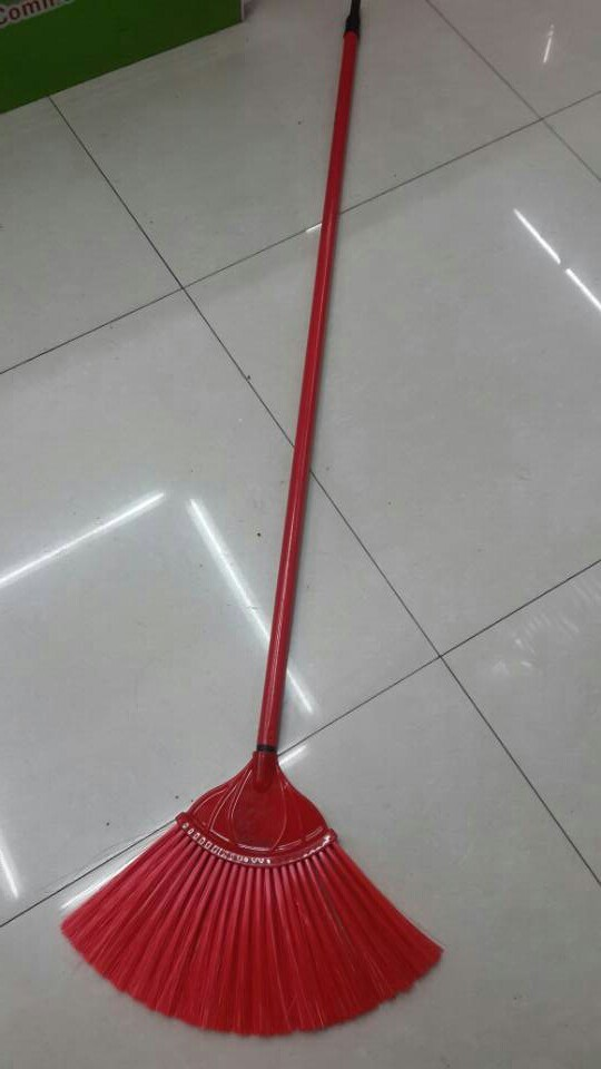 China Fan Shaped Steel Handle Ceiling Brush Broom China