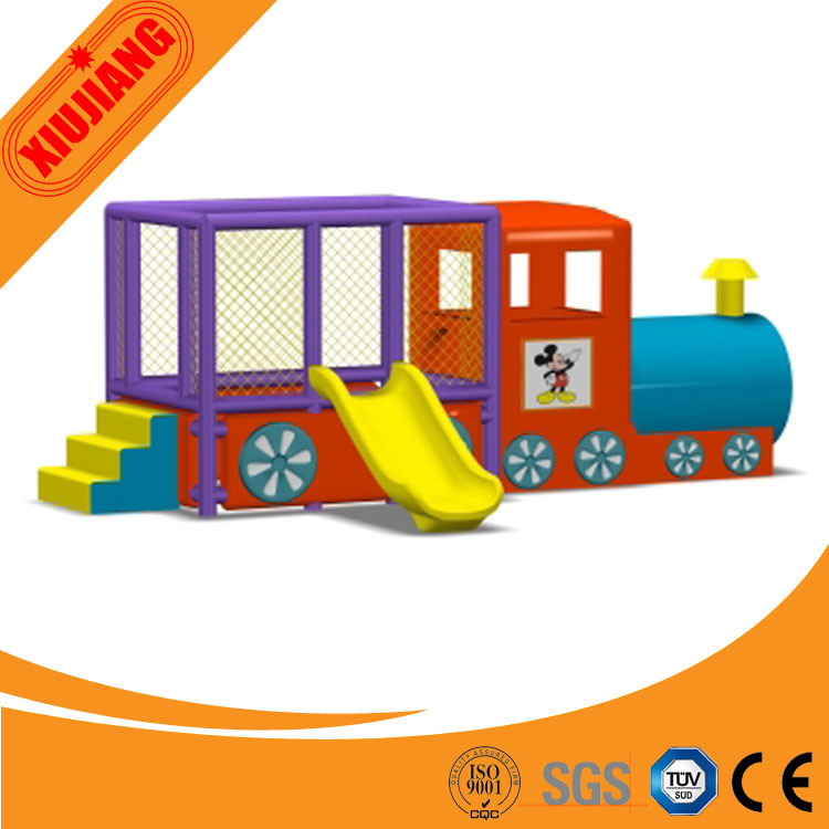 China Plastic Indoor Slide Combined with Playhouse for Kids and ...