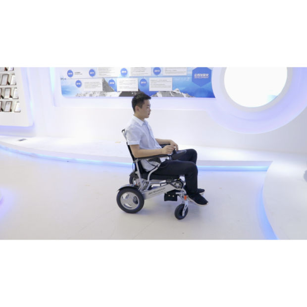 Lightweight Aluminum Alloy Power Wheelchair Factory pictures & photos