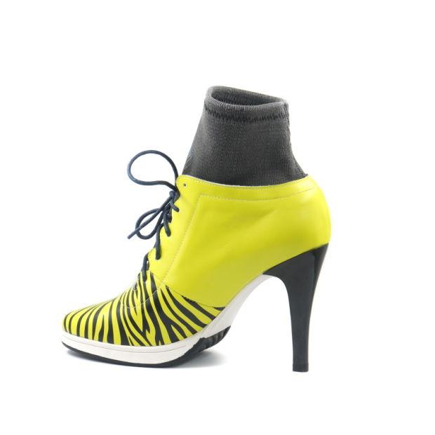 chaussures de sport d59f2 08231 2019 Nouvelle conception toile Lady haut talon et chaussures de sport de  qualité supérieure des bottes haut talon Sport Shoes Factory