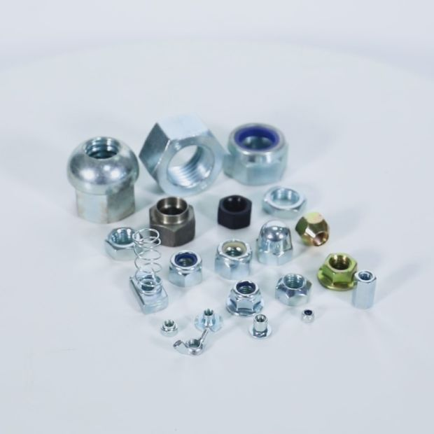 DIN Standard Steel Hex Nuts with Metric Thread pictures & photos