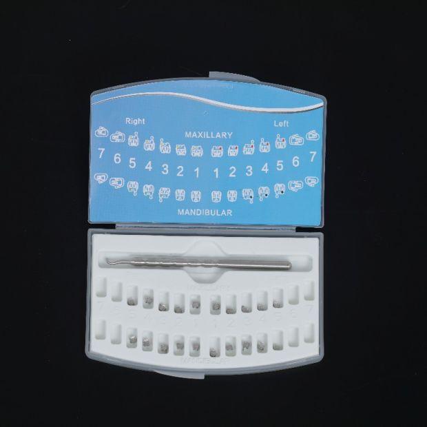 Soe Orthodontic Mbt Bracket Dental Material Self Ligating Brace pictures & photos