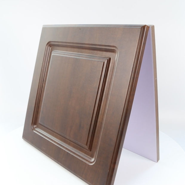 PVC Coated or Spray Painting MDF Shaker Solid Wooden Kitchen Cabinet Door pictures & photos