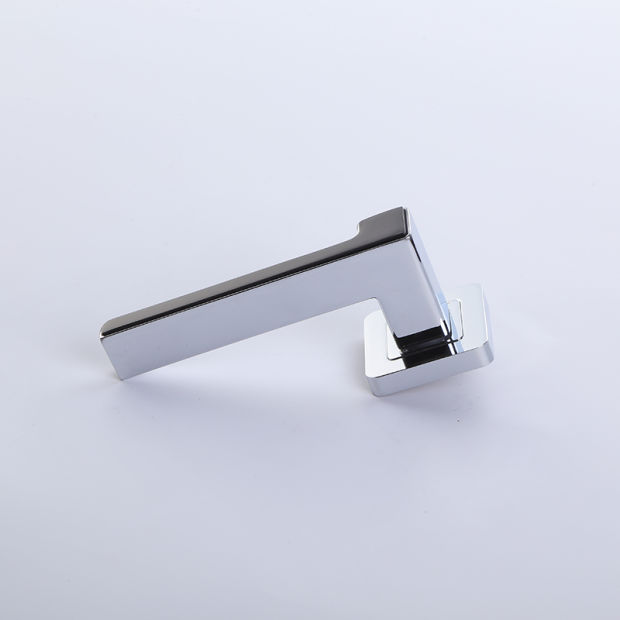 Zinc Zamak Chrome Door Lock Handle on Square Rose (Z6030-ZR03) pictures & photos